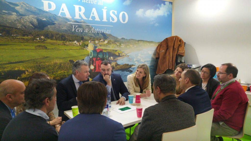 Reunion mesa de turismo FADE en FITUR 2020