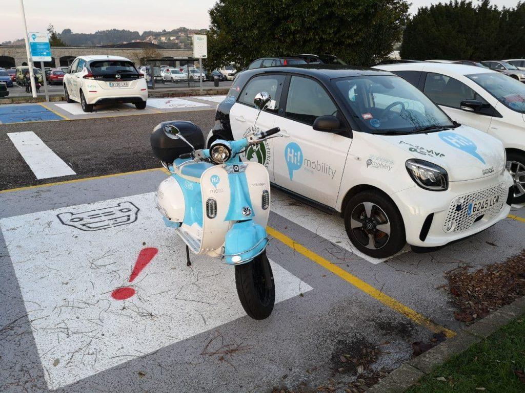 Moto y coche hi mobility en universidad laboral de GIjon
