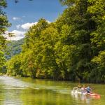 Los mejores lugares para disfrutar de la canoa en familia (perro incluido) en Asturias